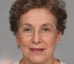 Mujeres maduras en Benidorm, Eva María